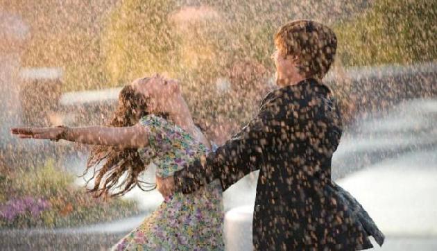 बारिश में इन जगहों पर घूमने जाएं और दिल खोलकर पार्टनर के साथ करें रोमांस