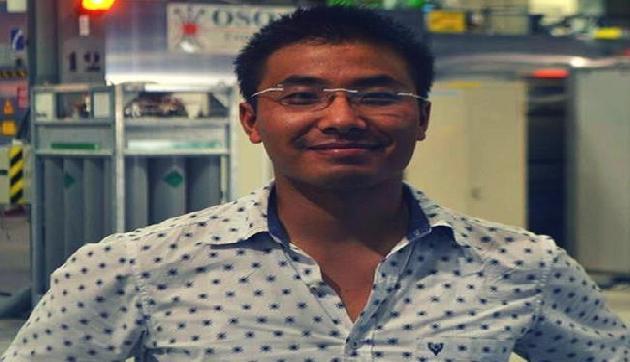 मणिपुर के मिरैकल मैन नाम से मशहूर  IAS आर्मस्ट्रांग, अपने सरकारी बंगले पर बच्चों को खिलाएंगे खाना