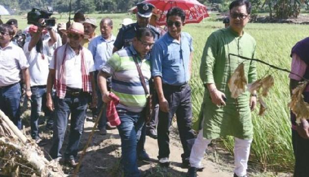 बाढग़्रस्त अरूणाचल में रिजिजू ने किया किसानों को मुआवजे का वादा