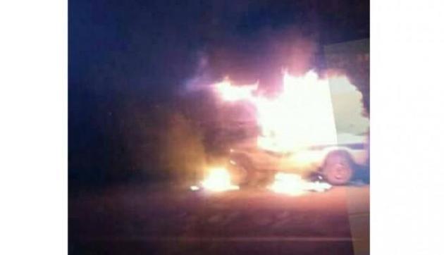 कोहिमा: होटल में डेरा डाले हुए हैं असंतुष्ट खेमे के विधायक, वाहनों में लगाई आग