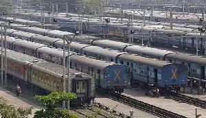 भारी बारिश के चलते असम आने-जाने वाली 12 ट्रेनों का संचालन 20 तक रद्द