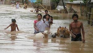पिछले 6 महीने से बाढ़ के पानी के साथ रहने को मजबूर लोग