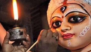 इस बार मां दुर्गा के दर्शन होंगे कुछ अलग, बनने को है तैयार आठ मंजिला प्रतिमा