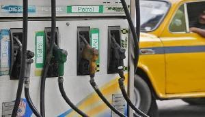 कम हो सकती हैं  पेट्रोल-डीजल की कीमतें, देशभर में एक होंगे दाम!