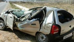 भीषण हादसा : तेज रफ्तार कार हुई अनियंत्रित, छह लोगों की मौके पर मौत