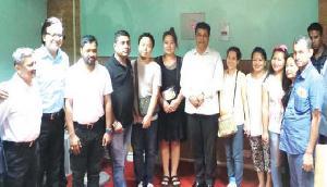 विदेशी प्रतिभागियों से मिले सोनोवाल