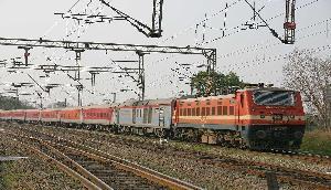अरुणाचल की महिला के साथ खगड़िया में चलती ट्रेन से लाखों का कीमती सामान चोरी