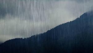 पूर्वोत्तर के कई हिस्सों में हुई बारिश, मौसम में घुली ठंडक