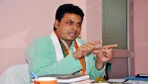 त्रिपुराः बिप्लव कुमार ने मणिपुरी लोगों की मदद का दिया भरोसा