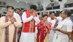 मुख्यमंत्री पद की शपथ लेने के बाद 'गुरु' के दर पर पहुंचे बिप्लब देब