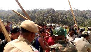 असम- मिजोरम सरकार बॉर्डर पर शांति बनाने को सहमत, स्थिति का जायजा लेगा केन्द्रीय दल