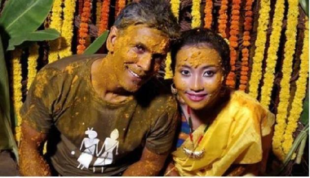 25 साल छोटी गर्लफ्रेंड को पत्नी बनाने जा रहे मिलिंद सोमन, देखें तस्वीरें...