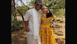 25 साल छोटी गर्लफ्रेंड के साथ आज शादी करेंगे मिलिंद, तस्वीरें हुईं वायरल