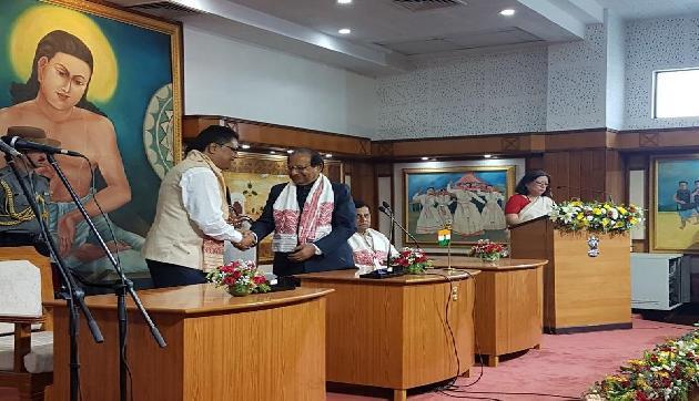 असम में मंत्रिमंडल का हुआ पहला विस्तार, सात नए मंत्री शामिल, देखें तस्वीरें