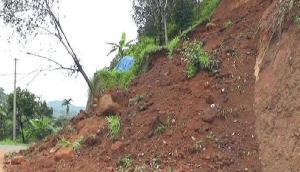 असम-मेघालय बॉर्डर पर भूस्खलन, NH-44 पर यातायात हुआ प्रभावित
