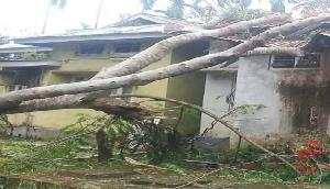 चुनावी सरगर्मियों के बीच आम्पाति में तूफान ने मचार्इ तबाही