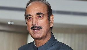 कर्नाटक परिणाम के बाद कांग्रेस का हमला, गोआ, मणिपुर और मेघालय में राज्यपाल ने कांग्रेस को क्यों नहीं बुलाया?