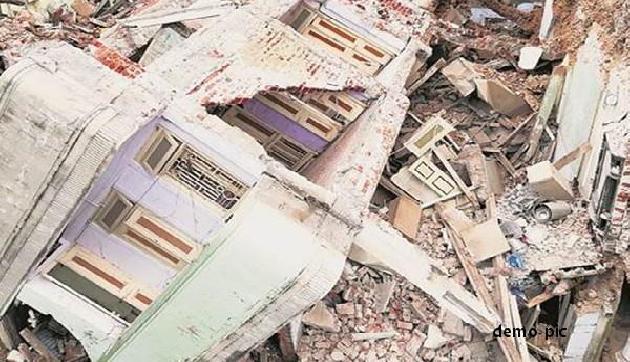 भारी बारिश ने मचाया कहर, भरभराकर गिर गए दो मकान, मासूम के साथ 4 की मौत