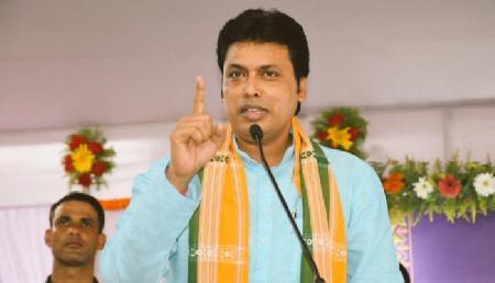 भाजपा का इमोशनल गेम, वामपंथी राज में मारे गए युवक के परिजनों को त्रिपुरा सीएम ने दी 5 लाख की मदद