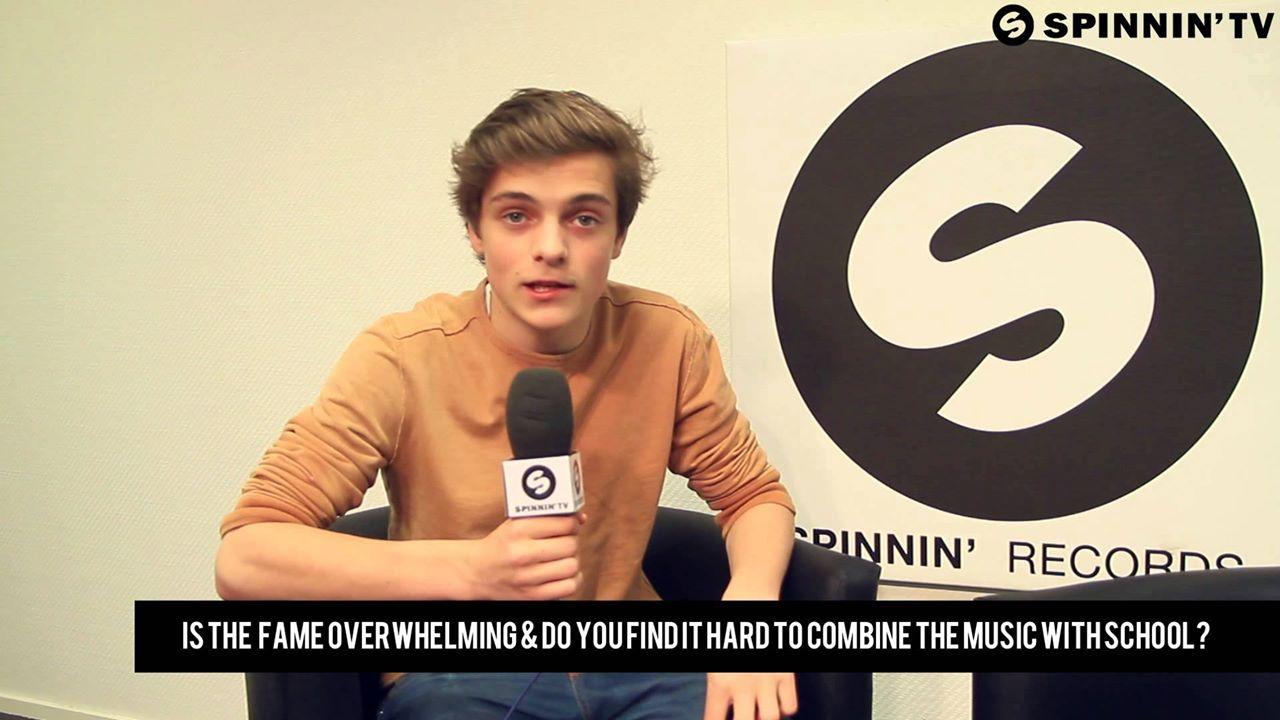 """Năm 2012, ký hợp đồng với Spinnin' Records, phát hành """"Error 404""""."""