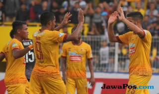 Sriwijaya FC, Gresik United, Liga 1,