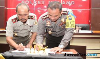 Kapolres Malang AKBP Yade Setiawan Ujung SH SIK dan Kepala BPN Kabupaten Malang Djuprianto Agus Susilo