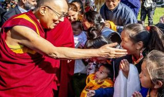 Dalai Lama, Tenzin Gyatso, pelecehan guru buddha
