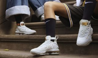 sneakers nike, lebron James, sepatu nike,