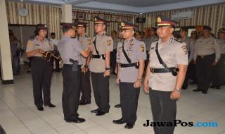 Dua Pejabat Polres Tabanan Dimutasi