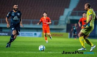 Sylvano Comvalius, Marclei Cesar, Bali United, Mitra Kukar, Liga Thailand, Suphanburi FC, Chonburi FC