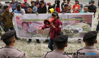 Aksi di depan KPK