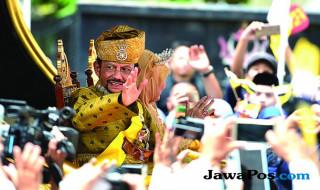 Sultan Hassanal Bolkiah dan istrinya, Raja I.steri Pengiran Anak Hajah Saleha