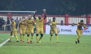 Bhayangkara FC, Herman Dzumafo, Liga 1 2018, Simon McMenemy, Perseru Serui
