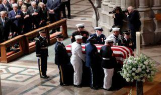 Joh McCain, Joh McCain meninggal, donald trump