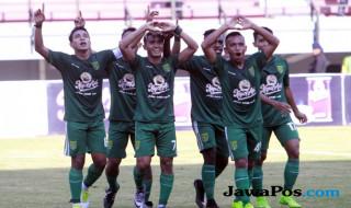 Persebaya Surabaya vs PSBS Biak