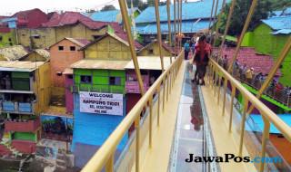 Jembatan kaca Ngalam Indonesia
