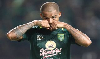 Persebaya Surabaya, Liga 1 2018, Mitra Kukar, Djadjang Nurdjaman, Rahmad Darmawan