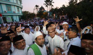 Sandiaga Uno saat peresmian Rumah Pemenangan Prabowo-Sandi di Surabaya, Senin (22/10).