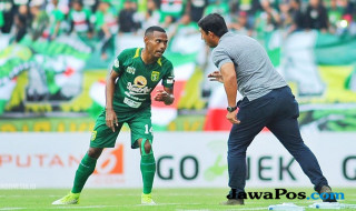 Persebaya Surabaya, Angel Alfredo Vera, Liga 1 2018, Barito Putera, Otavio Dutra, Rachmat Irianto
