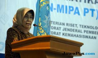 Sekertaris Direktorat Jenderal Pembelajaran dan Kemahasiswaan, Prof Rina Indriastuti