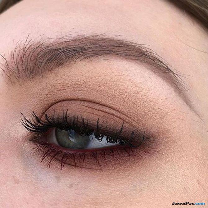 tips kecantikan, eyeshadow, tips gunakan eyeshadow, cara gunakan eyeshadow, kelopak mata,