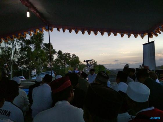 45 Orang Pengamatan Hilal di Malang, Yakin Besok Lebaran