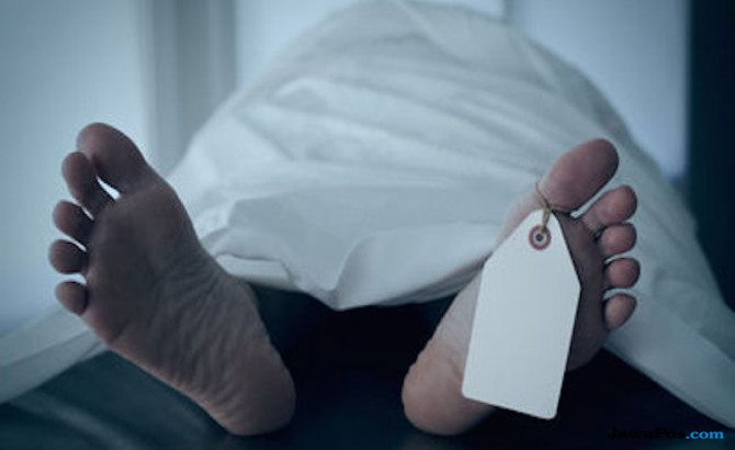 Xenia Terparkir Sudah Lima Hari, Ternyata Isinya Orang Mati