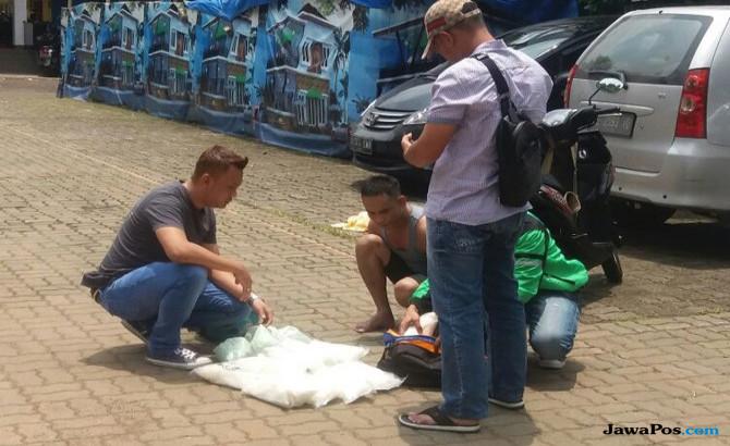 Asyik Setelah Berenang, 2 Bandar Narkoba Dibekuk BNN
