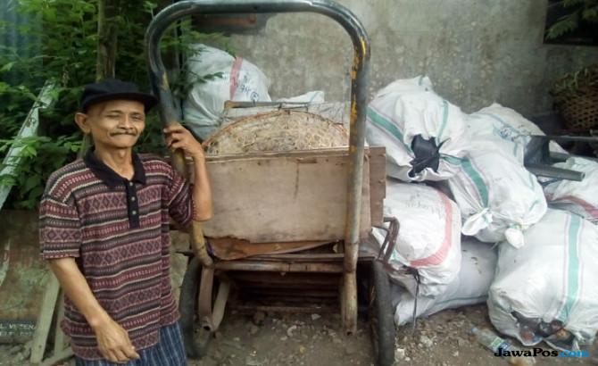 Tukang Sampah Jujur