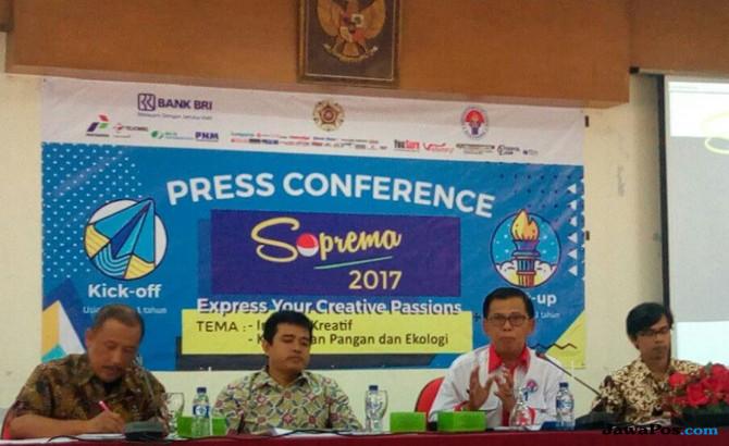 Direktur Kemahasiswaan Suharyadi, Direktur Pelaksana Hempri Suyatna, Asisten Deputi Kewirausahan Ponidjan, dan Wakil Dekan I Fisipol Wawan Mas'udi
