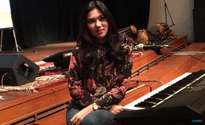 Penyanyi Isyana Sarasvati