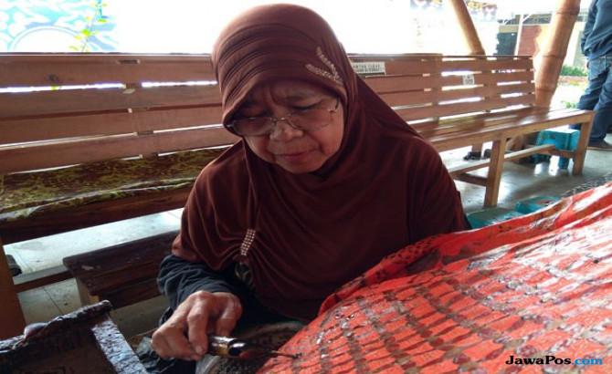 Nenek Karyasih