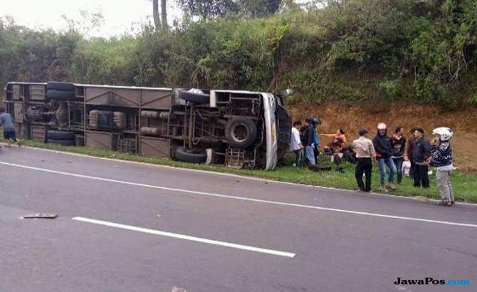 Tanjakan Emen, Korban Tanjakan Emen, Kecelakaan Tanjakan Emen, Kecelakaan Bus Pariwisata, daftar korban kecelakaan tanjakan emen