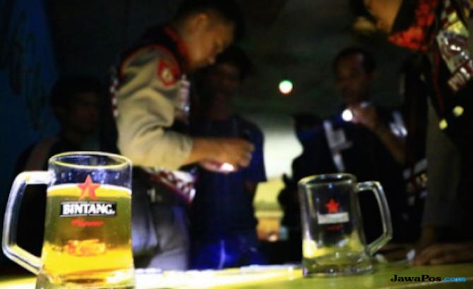 Lagi Asyik Kongkow di THM, Empat Anggota Polisi Digelandang ke Markas